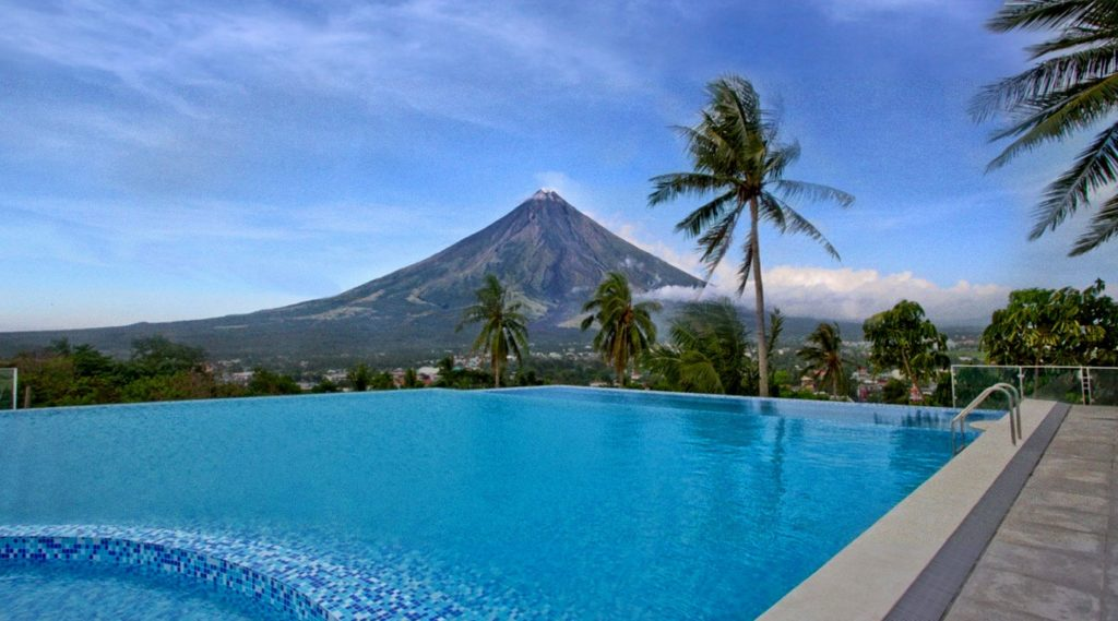 Business Mirror: Hotelier sees PHL tourism boom by 2016